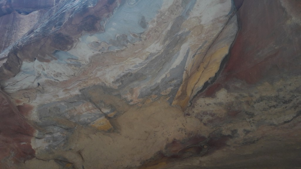Stunning sandstone rocks - detail of a cave ceiling